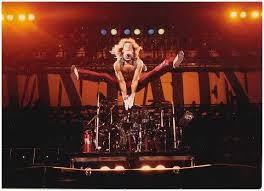 David Lee Roth in the most perfectly framed shot ever jumping off of the  riser, booyaa! | David lee roth, Van halen, Eddie van halen